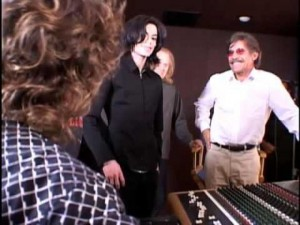 michael_jackson_rare_with_geraldo_rivera_in_recording_studio_2005.jpg