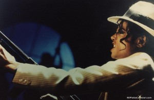 a-smooth-criminal-michael-jackson-13132556-1200-785.jpg
